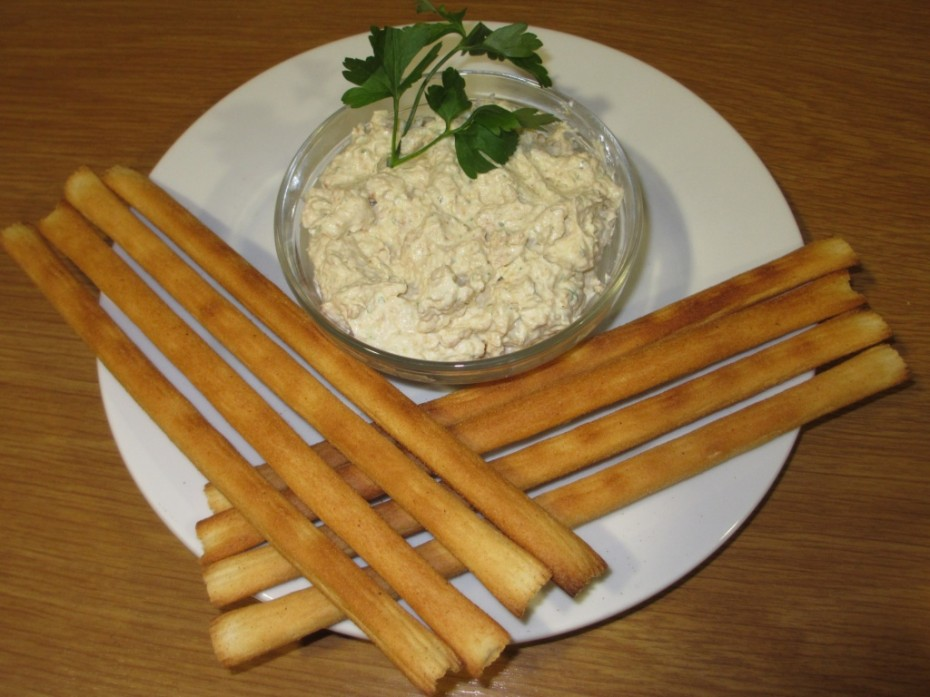 almond and garlic dip